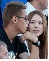 まあ、奥さん、子供は日本にいるような気がしますが、本田圭佑がそこらへんは上手くやっていけているのではないでしょうか?